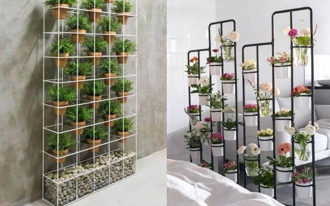 A grande metálica é um exemplo de jardim vertical que pode ser usado dentro de casa, como vemos nas opções acima