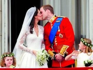 Festão. Duque e duquesa de Cambridge, William e Kate, durante o casamento real
