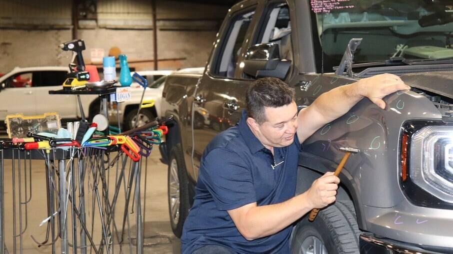 Técnica garante rapidez na reparação, visto que leva apenas 10% do tempo que seria gasto em funilaria e pintura