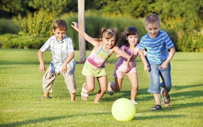 Atividades físicas estimulam desenvolvimento cerebral, coordenação motora e cognitiva e sociabilidade