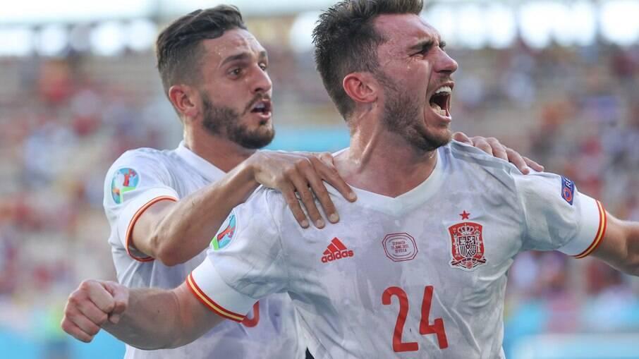 Espanha goleia a Eslováquia e avança às oitavas da Eurocopa