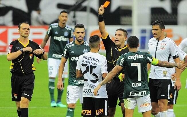 Felipe Melo e Clayson foram expulsos no primeiro jogo da final do Paulistão