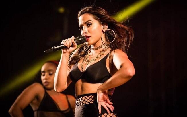 De acordo com o Spotify, Anitta é a terceira entre os artistas com mais streams no Brasil