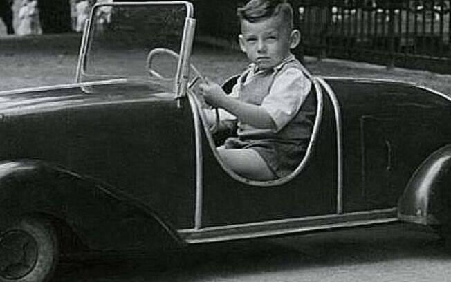 O automóvel é um objeto sublime. E tem a capacidade de transformar o espaço-tempo de uma maneira única
