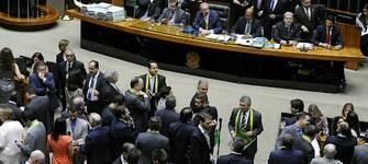 Em viagens oficiais, deputados priorizam exterior em vez de municípios brasileiros