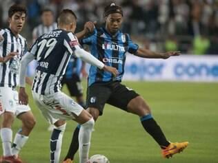 Antes do jogo desse domingo, Ronaldinho chegou a pedir desculpas pelo estresse na partida passada