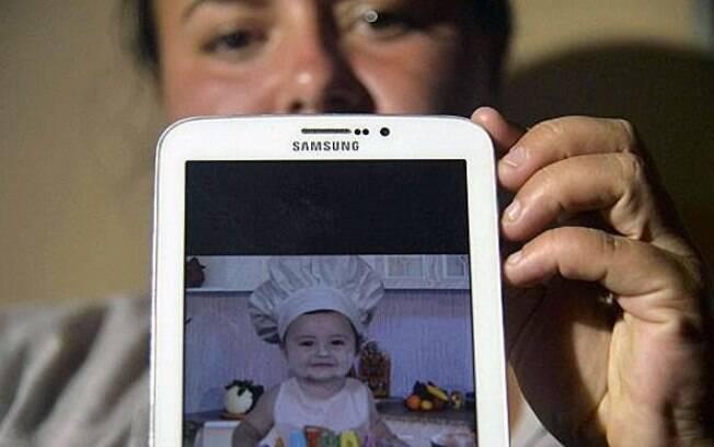 A prima do bebê, Natalia Rincón, acredita que um milagre salvou Jhosep