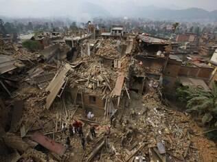 Imagem de Katmandu, capital do Nepal, após terremoto que matou mais de 2,5 mil pessoas