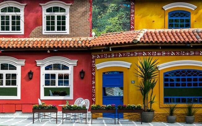 A fachada interna da casa do 'BBB17' lembra vilas históricas