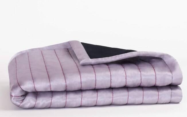 O cobertor conta com quatro camadas de tecido para que os fluidos liberados durante a relação sejam absorvidos