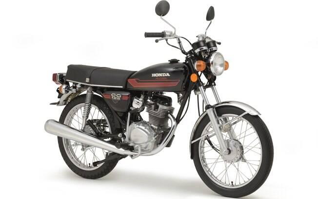 Outra moto importante exposta no museu da Honda é a GG 125 a álcool, lançada em 1981