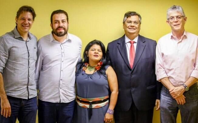 Fernando Haddad, Guilherme Boulos, Sonia Guajajara, Flávio Dino e Ricardo Coutinho lançaram manifesto contra o governo Bolsonaro