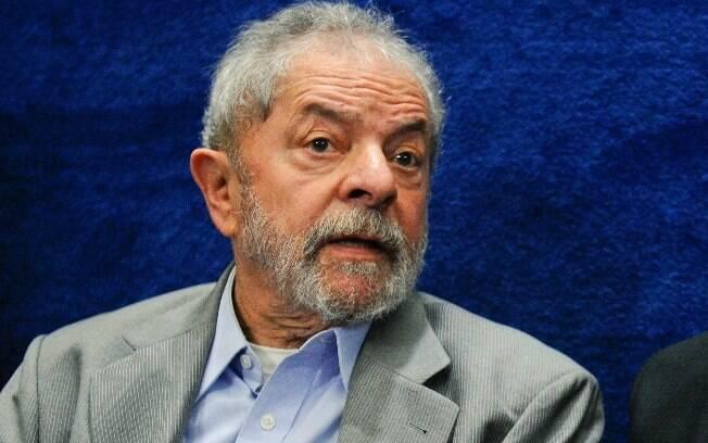 Sérgio Moro e o TRF-4 condenaram Lula por crimes de corrupção e lavagem de dinheiro; ele pede habeas corpus