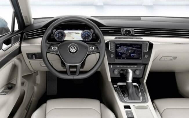 O interior definitivamente é um dos maiores responsáveis pela atratividade, pois se assemelha ao de um sedã premium