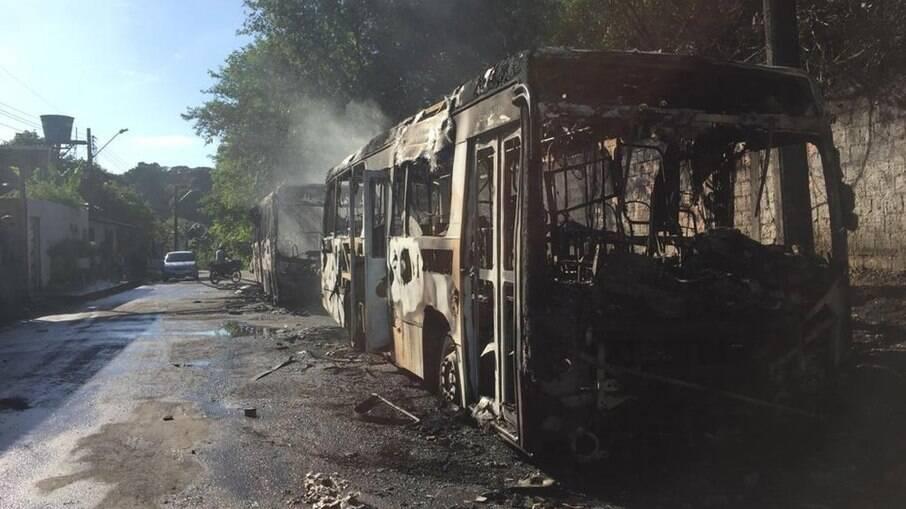 Ônibus queimado em Manaus