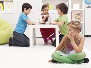 Uma das características da criança com transtorno desafiador opositivo é a dificuldade de trabalhar em grupo na escola