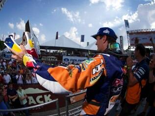 O espanhol Marc Coma foi o mais veloz entre as motos e ficou com o título