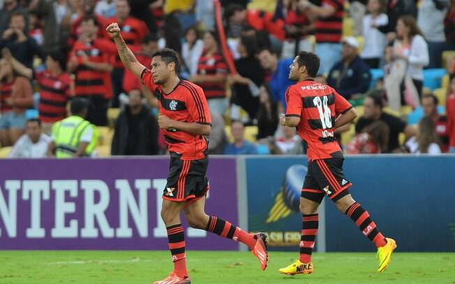 Hernane marcou o segundo gol do Flamengo no  Fla-FLu