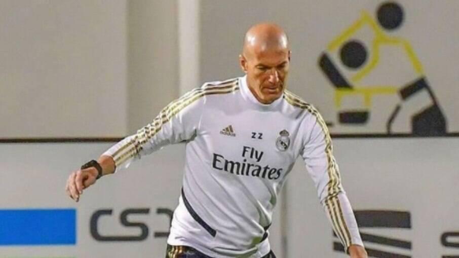 Especulado no Manchester United, Zidane pode voltar a comandar Cristiano Ronaldo, com quem trabalhou no Real Madrid