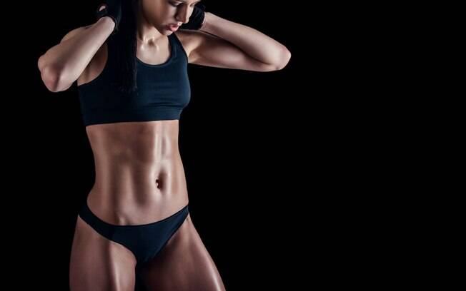 Além de exercícios, como prancha abdominal e outros, para definir o abdômen é preciso tomar outros cuidados