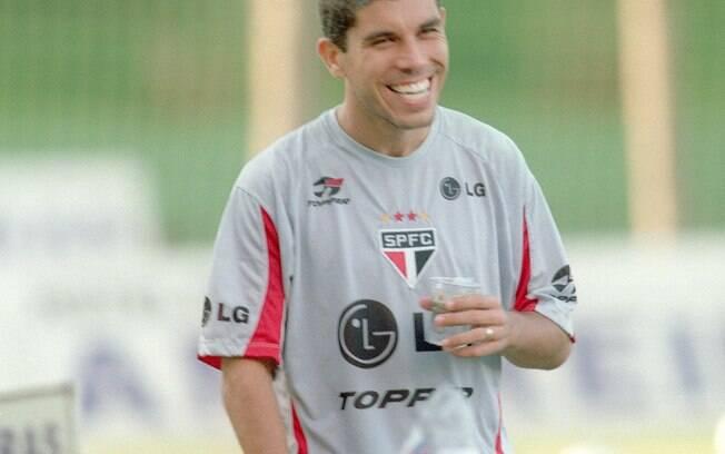 Ainda em 2002, Ricardinho trocou o  Corinthians pelo São Paulo