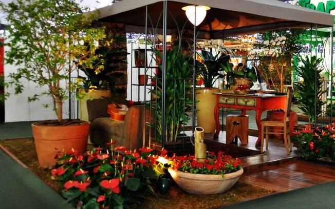 A Fiaflora de 2011 tem como objetivo stimular a criação de ambientes que garantam a qualidade de vida e o bem-estar das pessoas. É o caso da Pérgola do descanso