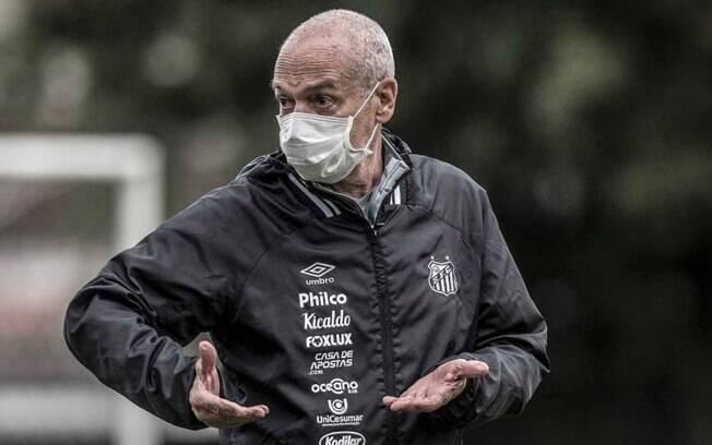 Presidente do Santos diz que pandemia motivou demissão de treinador: 'É do grupo de risco'
