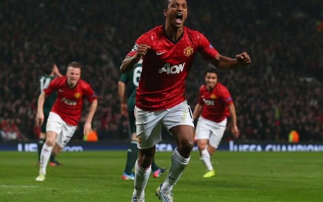 Nani comemora gol contra de Sérgio Ramos, que  colocou o Manchester United na frente do placar