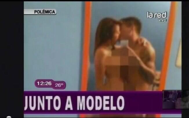 Foto picante do gremista Vargas e Elinda  Tavares apareceu em uma TV chilena