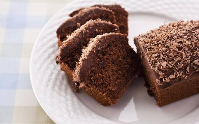 Foto da receita Bolo de gengibre e chocolate pronta.
