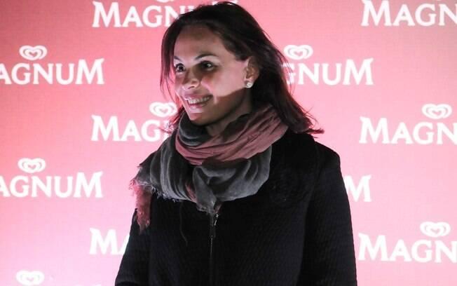 Carolina Ferraz cheia de projetos: