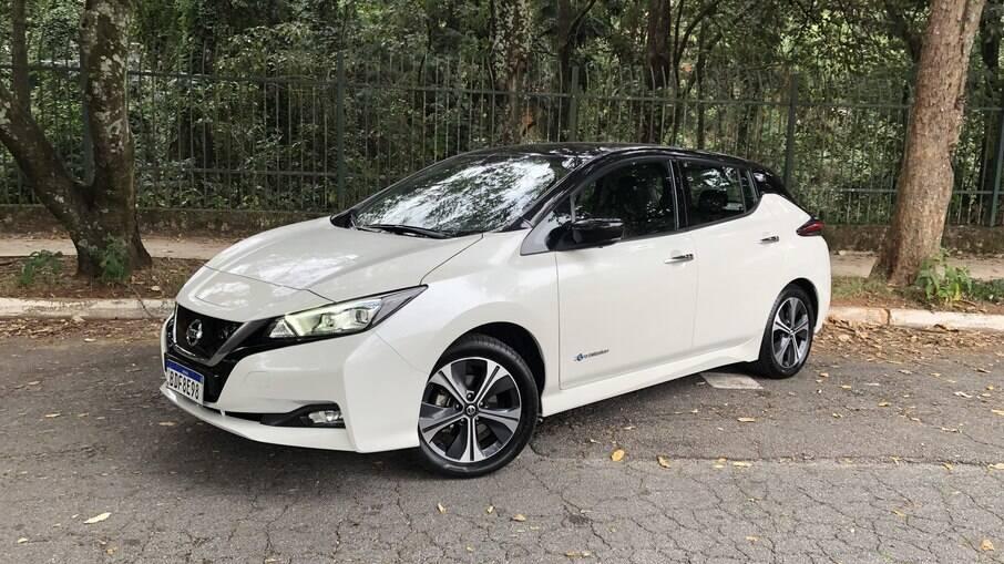Nissan Leaf 2021 pode ser adquirido por R$ 287.300, contando com a instalação de wall-box residencial para recarga da bateria