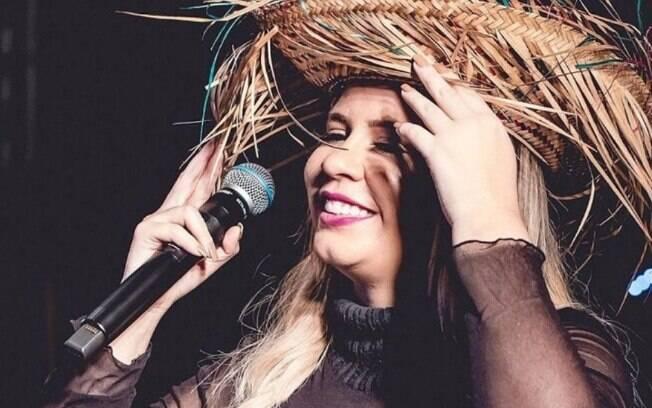 Marília Mendonça se apresenta na Festa Junina da Portuguesa