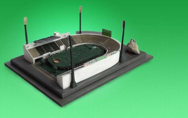 Para lembrar do antigo Palestra Itália, a  diretoria anunciou a venda de réplicas em escala  do estádio