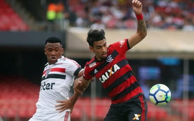 São Paulo e Flamengo fizeram jogo agitado no Morumbi