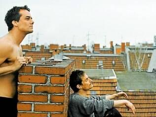 Cena. Wagner Moura interpreta um salva-vidas que vive em Fortaleza e depois vai em busca de seu sonho em Berlim