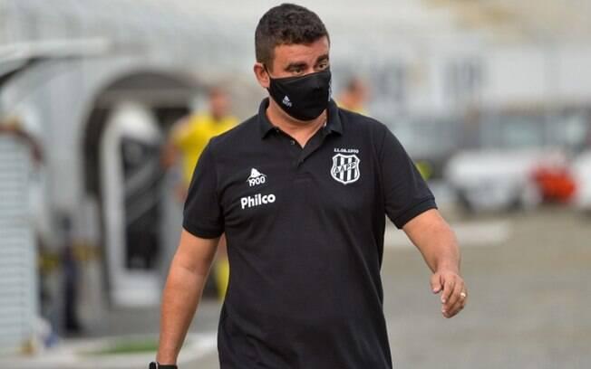Fábio Moreno reassume coordenação e não é mais técnico da Ponte