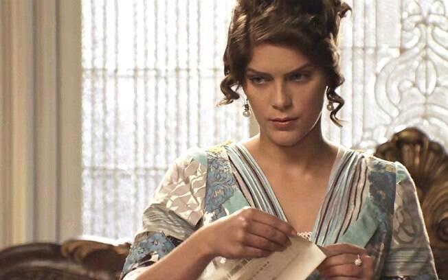 Isabella Santoni como Charlotte em