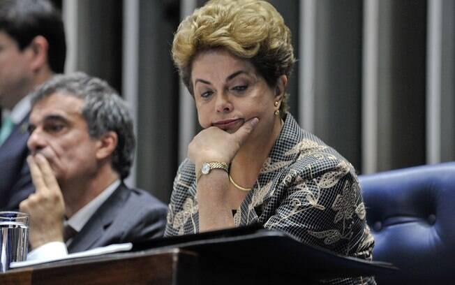 Resultado de imagem para Após fala de Dilma, Planalto divulga nota e nega que vai tirar direitos sociais