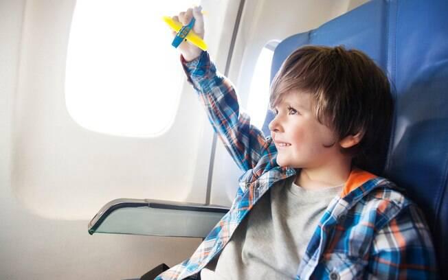 criança no avião