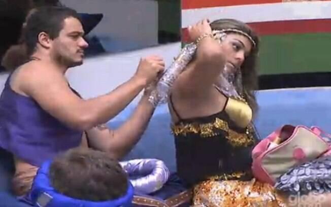 Rafa ajuda a gaúcha a se arrumar