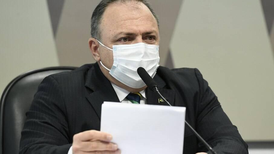 Ex-ministro da Saúde Eduardo Pazuello presta dopoimento à CPI