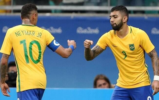 Neymar e Gabigol na seleção brasileira que conquistou o ouro olímpico em 2016
