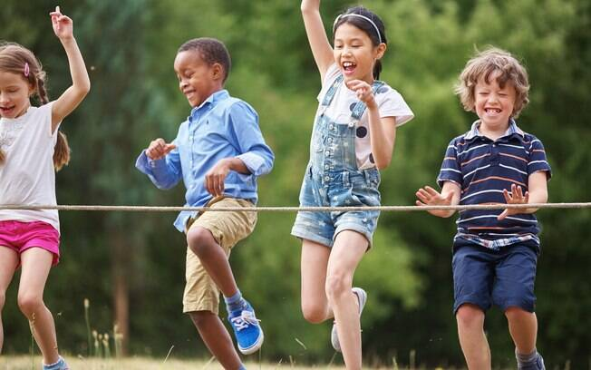 Pular corda é uma das brincadeiras de criança mais antigas.