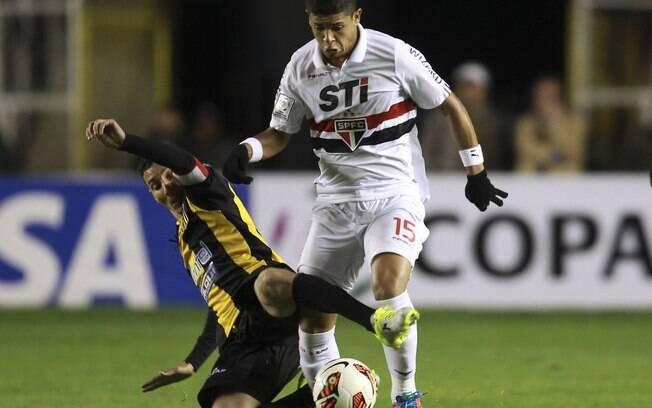 Denilson teve dificuldade na marcação em La  Paz