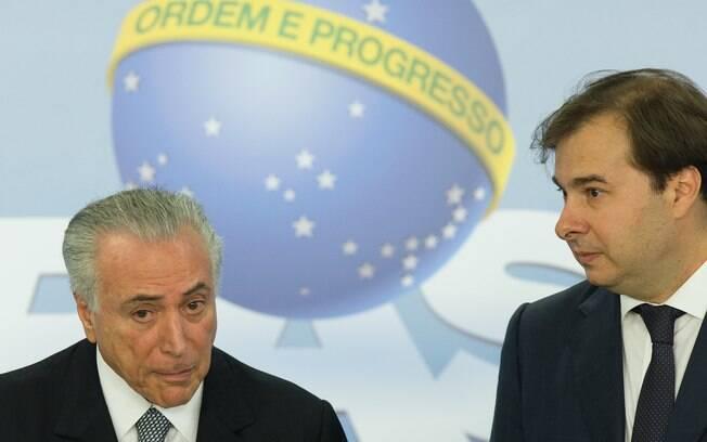 Michel Temer (PMDB) afirmou confiar plenamente na lealdade de Rodrigo Maia para barrar processo contra ele