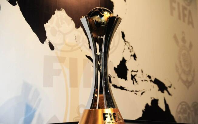 Taça do Mundial de Clubes exposta no Memorial do Corinthians