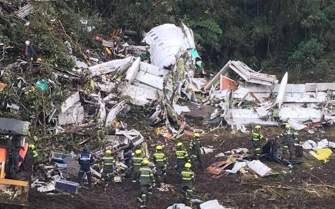 Autoridades locais já encontraram  os 72 corpos, dentre eles, muitos jogadores da Chapecoense