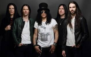 Slash anuncia 8 shows no Brasil junto com Myles Kenndy & The Conspirators