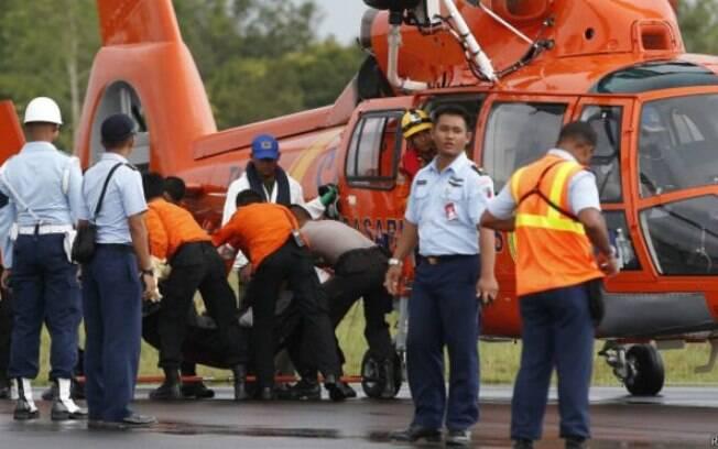 Objetos avistados a 30 metros de profundidade no Mar de Java podem ser de avião acidentado